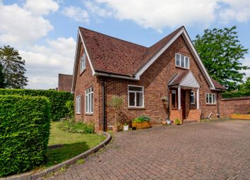 Thumbnail 4 bed property for sale in Evelyn Close, Hook Heath, Woking