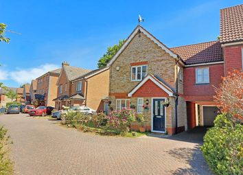 4 bed link-detached house for sale in Dorneywood Way, Newbury RG14
