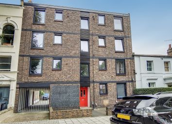 Southey Road, London SW9. 1 bed flat