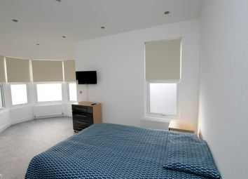 Thumbnail Room to rent in Mawney Road, Romford