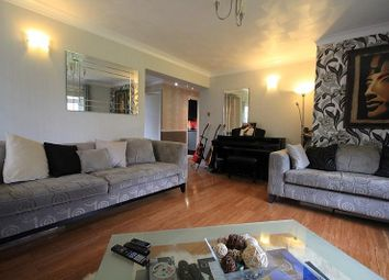 Thumbnail 2 bed flat for sale in Valerie Court, Bath Road, Reading