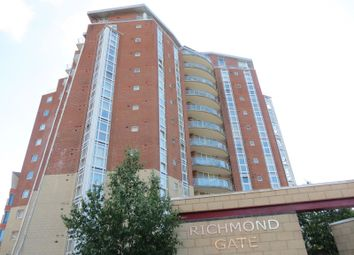 2 bed flat to rent in Richmond Hill Drive, Bournemouth BH2