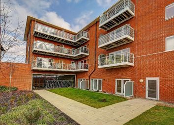 Thumbnail 1 bedroom flat to rent in Kingston Road, Wimbledon Chase