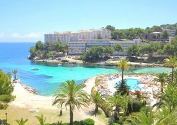 Thumbnail Hotel/guest house for sale in Cala Vinyes, Balearic Islands, Spain