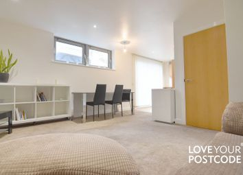 2 bed flat to rent in Viva Apartment, Commercial Street, Birmingham B1