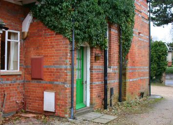Thumbnail 2 bed maisonette to rent in Oxford Road, Newbury