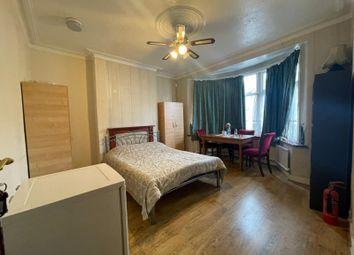 Thumbnail Studio to rent in Vernon Road, Seven Kings, Essex