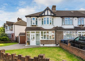 3 bed property for sale in Buckleigh Avenue, Merton Park SW20