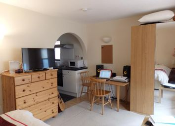 Thumbnail 1 bed flat to rent in Palmerston Road, Wimbledon