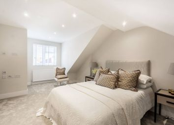 Thumbnail 2 bedroom flat for sale in Edward Avenue, Chingford, London