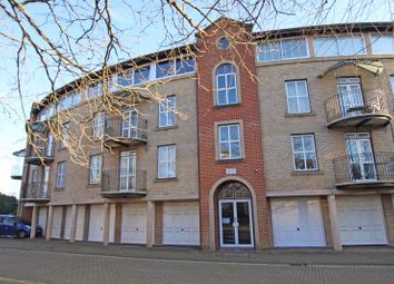 2 bed flat for sale in Alcantara Crescent, Ocean Village, Southampton SO14