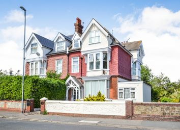 Thumbnail 1 bed flat to rent in Upper Avenue, Eastbourne