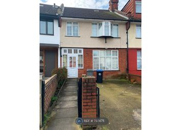 Room to rent in Doyle Gardens, London NW10