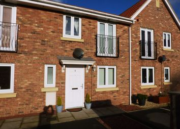 Thumbnail 3 bed town house to rent in Kilner Way, Castleford