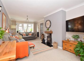 3 bed detached house for sale in School Lane, Platts Heath, Maidstone, Kent ME17