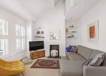 Stephendale Road, Fulham, London SW6. 2 bed flat