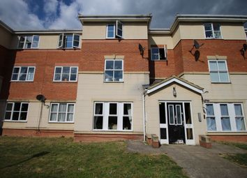 2 bed flat to let in Gillespie Close