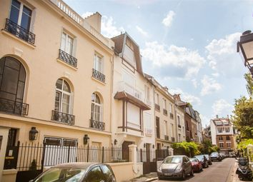 Thumbnail 4 bedroom terraced house for sale in Neuilly-Sur-Seine, France