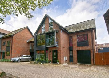 Thumbnail 5 bed detached house to rent in Beadsman Crescent, Leybourne, West Malling