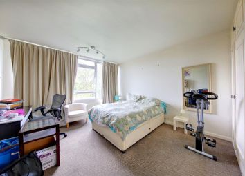 Thumbnail 2 bed flat to rent in Keswick Road, London