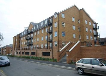 Thumbnail 2 bed property to rent in Holly Street, Luton