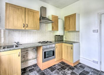 Thumbnail 2 bed flat for sale in Leigh Hall Road, Leigh-On-Sea, Essex