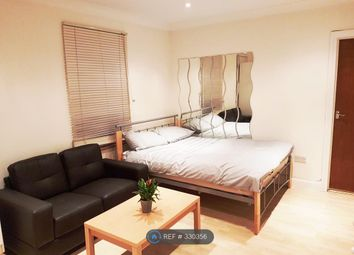 Thumbnail Studio to rent in New Southgate, London