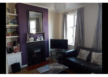Thumbnail 2 bed flat to rent in Stratheden Parade, London