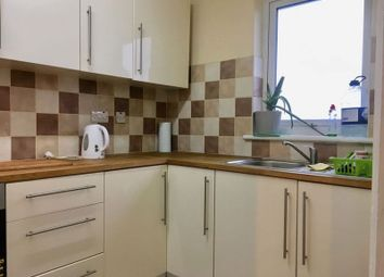 Thumbnail 1 bed flat to rent in Oakleigh Road North, Whetstone, London