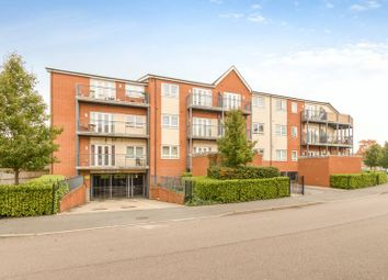Thumbnail 2 bed flat to rent in Desborough Crescent, Oxford