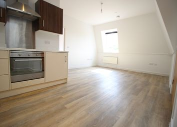 Thumbnail 2 bed flat to rent in Strawberry Hill, Newbury