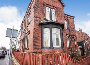 2 bed flat for sale in Whingate Road, Leeds LS12