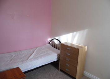 Thumbnail Room to rent in Armstrong Street, Swindon