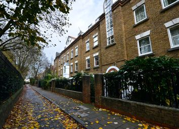 3 bed flat to rent in Stepney Green, London E1
