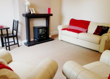 2 bed flat to rent in North Grange Road, Headingley, Leeds LS6