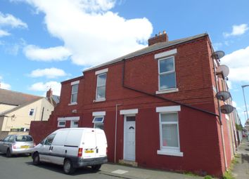 Thumbnail 2 bed flat to rent in Kingsway, Blyth