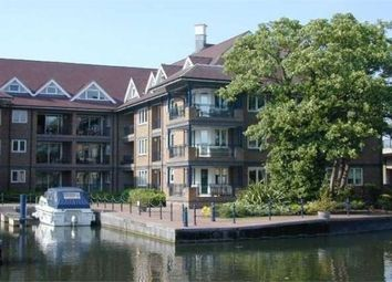 Thumbnail 3 bed flat to rent in Mariners Way, Cambridge