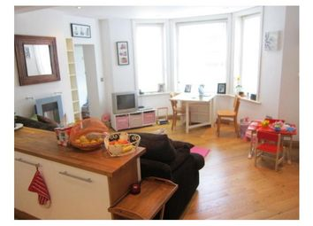 Thumbnail 2 bed flat to rent in Grosvenor Road, Tunbridge Wells