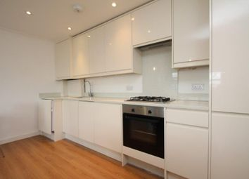 Thumbnail 3 bed flat to rent in Englefield Road, Hoxton