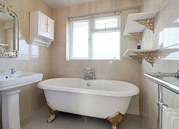 Thumbnail 4 bed town house for sale in Rookery Court, Marlow
