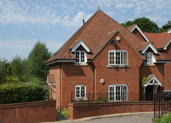 Thumbnail 2 bedroom flat to rent in Wychwood Place, Winchester