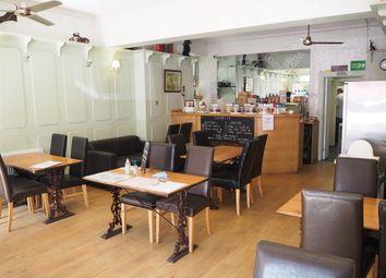 Thumbnail Restaurant/cafe for sale in Cafe & Sandwich Bars DE4, Matlock Bath, Derbyshire