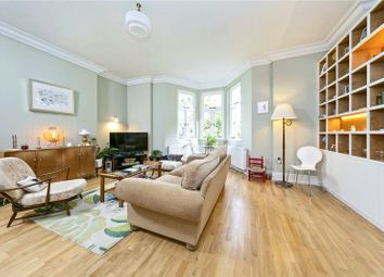 Arlington Road, East Twickenham TW1. 2 bed flat for sale