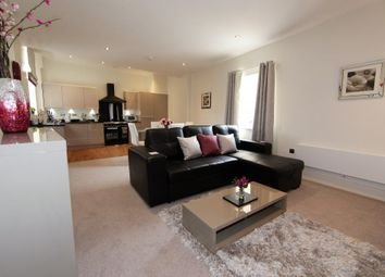 Thumbnail 2 bed flat to rent in Hilton House, Ealing
