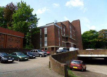 Thumbnail 2 bedroom flat to rent in Downs Road, Luton