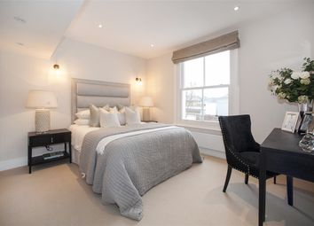 Thumbnail 2 bed maisonette for sale in Cathnor Road, London