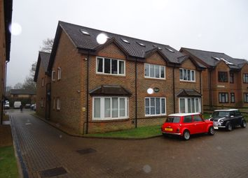 Thumbnail 1 bed flat to rent in Perryfield Road, Crawley