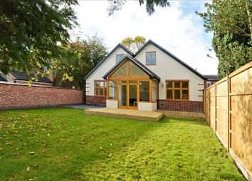 Thumbnail 4 bed detached house to rent in Grove Avenue, Chilwell