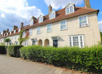 Thumbnail 1 bedroom maisonette for sale in Peabody Estate, Lordship Lane, London