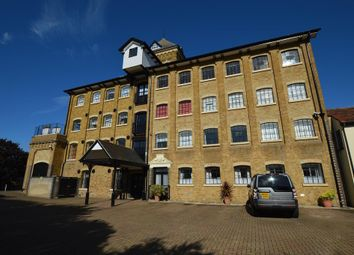 Thumbnail 2 bed flat to rent in East Street, Colchester